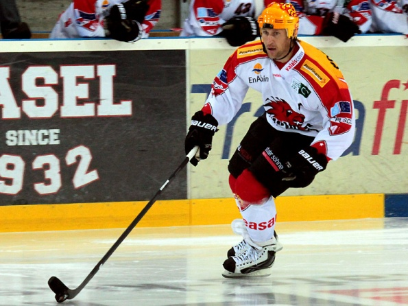 Christoph Perren/ http://www.hockeyfans.ch Yes, that's who you think it is — former NHL star Alexei Kovalev. Believe it or not, the 41-year-old spent this past season terrorizing netminders in Switzerland's tier-2 league, racking up 22 goals and 52 points in 44 regular-season games followed by 7 goals and 17 points in 15 playoff games en route to capturing the league title. (Update: Rumour had Kovalev set to play with Visp for a second season to help them defend their championship, but he has since decided to retire after a very impressive career.)
